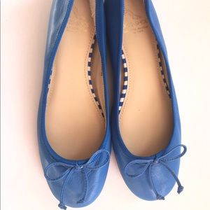 saks fifth avenue brand new leather flats 7